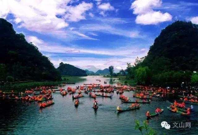 >>>>文山旅游特色很多,其中省级旅游风景区丘北普者黑的渔舟唱晚