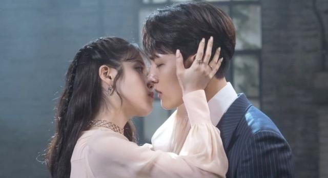 德鲁纳酒店IU吕珍九吻戏上线,金泰妍OST获佳绩,视觉音乐双享受