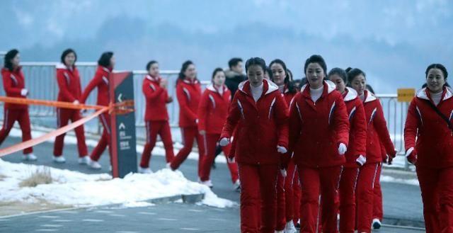 惊艳了世界的朝鲜女拉拉队,成2018冬奥会开幕式最大亮点