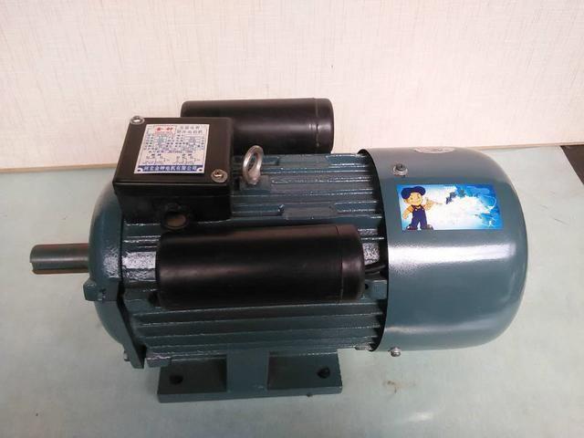 单相电机 双电容,哪个是启动电容哪个是运行电容?怎么接正反转