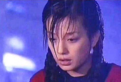 雨中变成,赵薇淋成落鸡汤,沈月拍戏了表情!表情包文件夹里ps图片