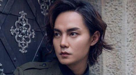 本以为尹正长发够帅了,当寸头照曝光后,网友:想嫁!