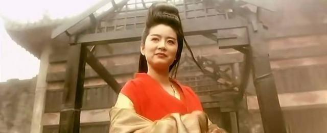 女明星都逃不过的红衣造型:邱淑贞经典热巴明艳最后一位很惊艳