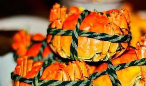 别不信,过量食用大闸蟹也是有风险的!