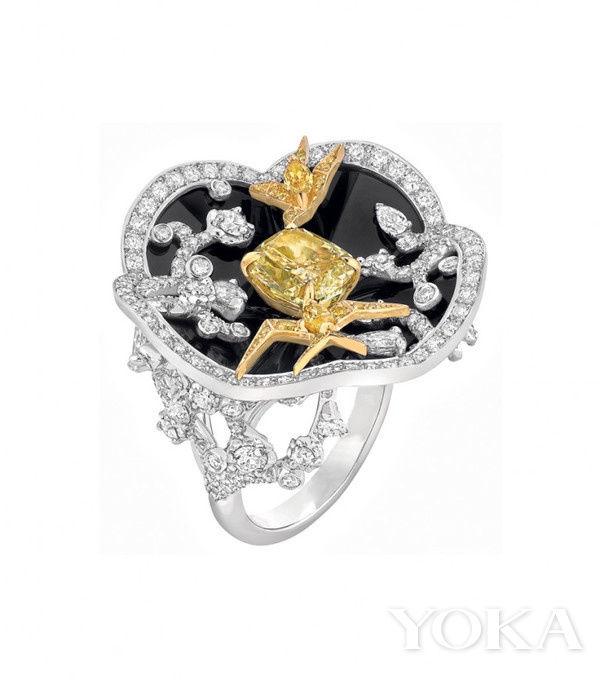 2013年 chanel以乌木漆面屏风为主题设计的高级珠宝 图片来自品牌