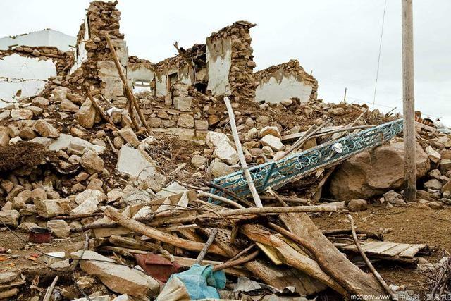 历史上最破坏最大的一次地震,波及97个县,近百