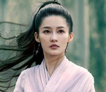 《诛仙》刚定档,李沁又一新剧来袭,男主是41岁男神,熬夜也追