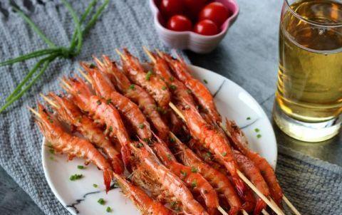<b>大虾别只会白灼,试试这样做,营养美味又补钙,比鸡蛋和牛奶强</b>
