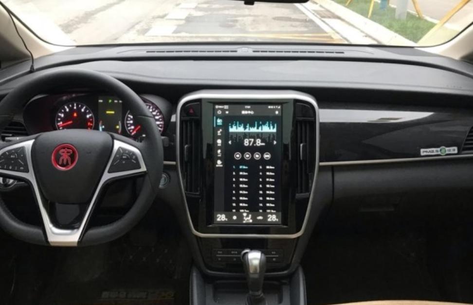 比亚迪顺应MPV市场推出的比亚迪宋MAX,它的实用性表现如何?