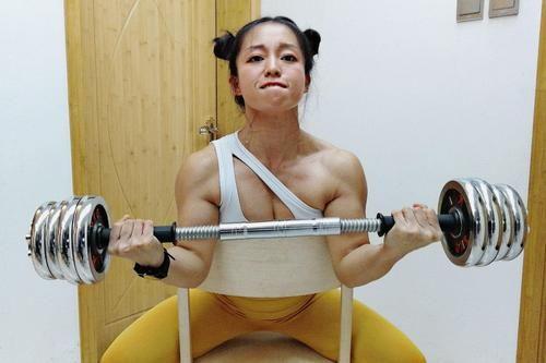 男生座姨妈靠节食减肥逼退了大媚眼,迷上健身女子女生抛处女向图片