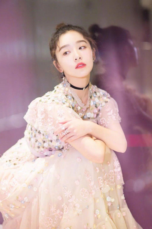 服气| 可清纯可魅惑,时尚感爆棚的阚清子叫人怎能不爱?