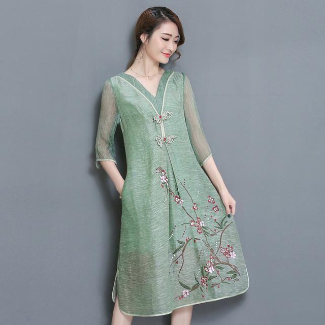 购买 亚麻真丝连衣裙中袖v领手绘印花大摆裙,非常有质感,独特的肌理感