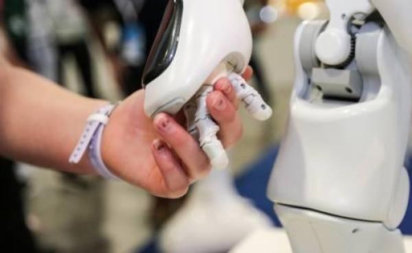 全球制造业自动化大幅提升 工业机器人普及率创新高(图1)