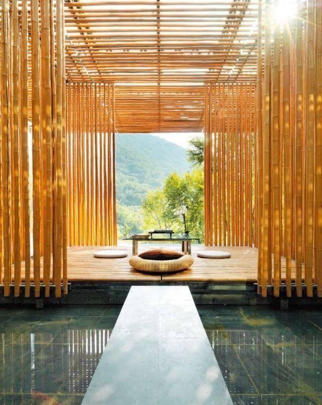 """旅游 正文  隈研吾以""""让建筑消失""""的设计理念,营造人在自然中的感觉"""