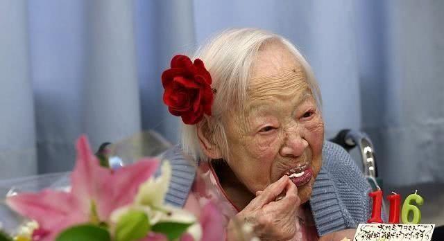 <b>寿命短的人身上会有共同特征,如果一个都不占,你可能是长寿体质</b>