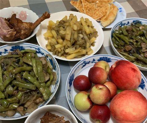 我生日老公特意下厨庆祝,一桌菜上桌,劝他以后断了下厨的念头
