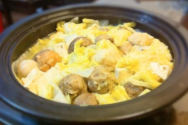 胡椒猪肚炖豆腐塔吉锅版白菜根炖吃法肉丸图片