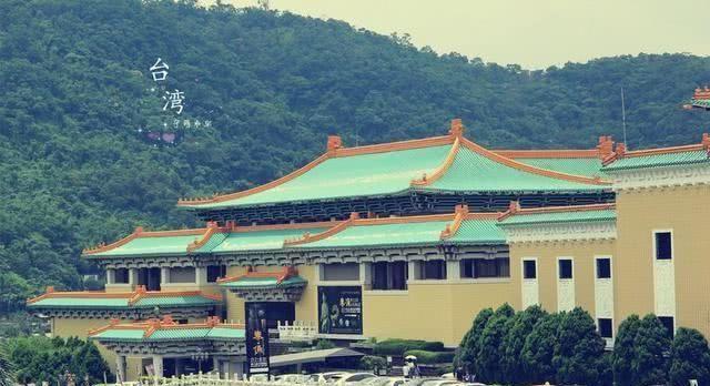 一口锅一块肉一颗菜成了台北故宫镇馆之宝,因为中国人吃货本性?