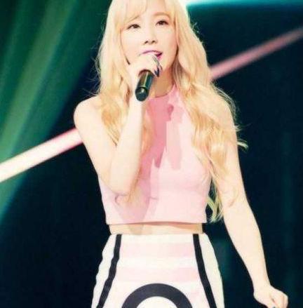 演唱会遭遇事故,泰妍被舞台设备砸到头部