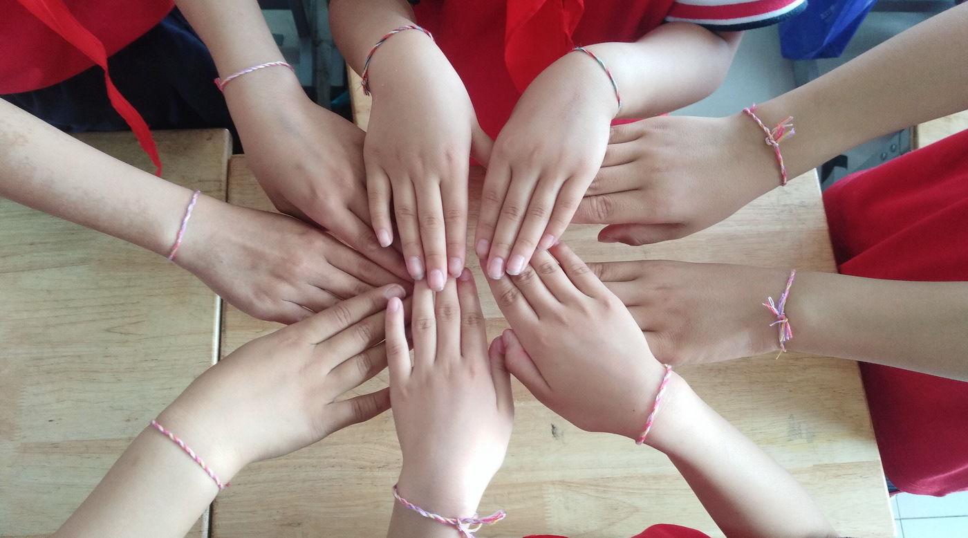 山东:小学生端午包诗词读粽子追忆屈原中路小学崂图片