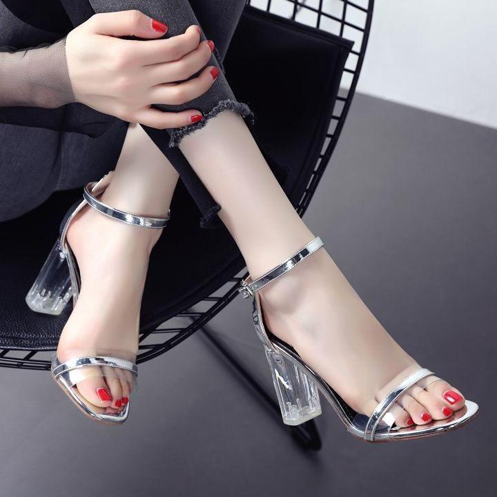 女人靓丽网-透明水晶高跟鞋,显女性的时尚性感