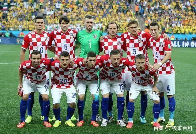 依稀记得16年欧洲杯的时候,冰岛淘汰英格兰杀入八强,在这次更加梦幻