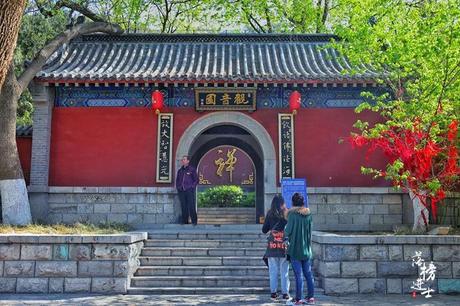【热文】济南三大名胜之一,有三万尊佛像的神圣秘境,你去过吗?