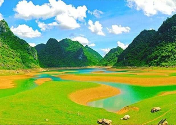 属马招财风景图片