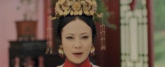 <b>延禧:乾隆来见皇后,为何璎珞要朝乾隆泼水?帮皇后躲过一劫!</b>