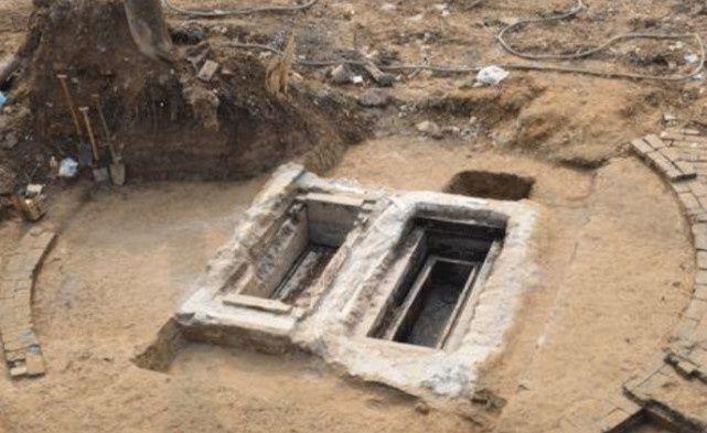<b>唯一穿龙袍下葬的公主,腿上还有些许血迹,专家鉴定后发现是经血</b>