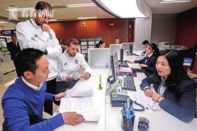 持中国绿卡外面籍人才兴办科技企业享国民待遇
