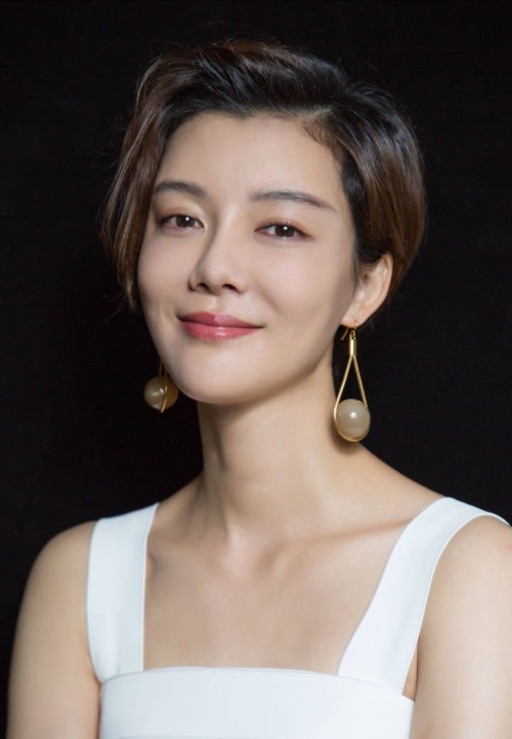 大陆电影明星_1982年6月12日生于北京,毕业于北京电影学院2000级表演系,中国大陆女
