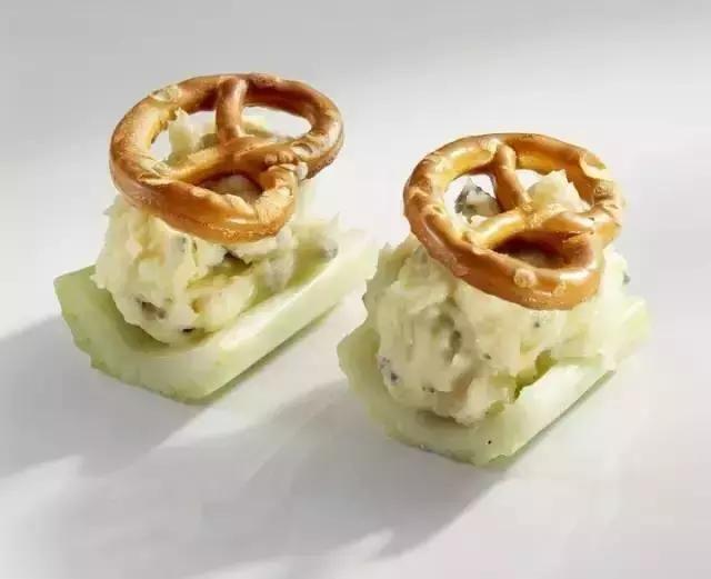 花卷还是美味?!世界各国本土美食传统面点安利龙珠馒头和图片