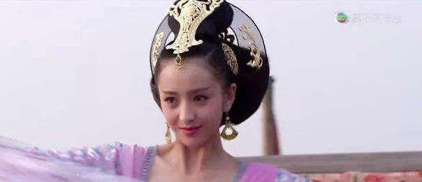 赵飞燕的皇后发冠竟也这么流行,但是别人都没佟丽娅的扮相好看