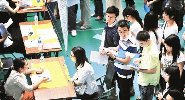 教育部:高校和实习企业要为学生提供必要的条件及安全健康的环境