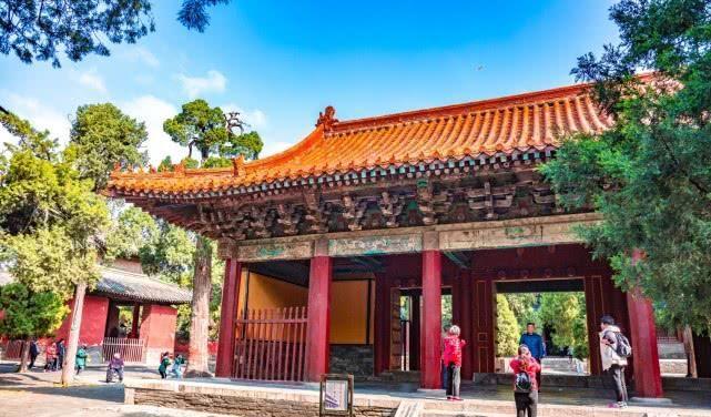 它仿北京故宫修建,拥有皇家建筑规格,门票却比故宫贵不少