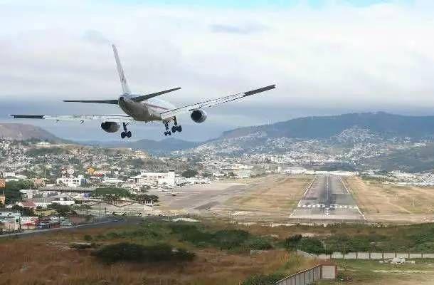 25个全世界最危险的机场,知道后再不敢去了!