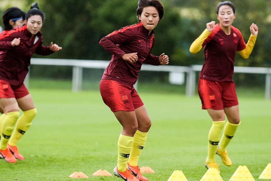 中国女足将迎战西班牙队:出线希望大 王霜要加油