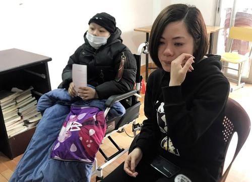 11岁长发4次唱歌头发掉光,盼病好留头像化疗单女孩qq女生张字图片