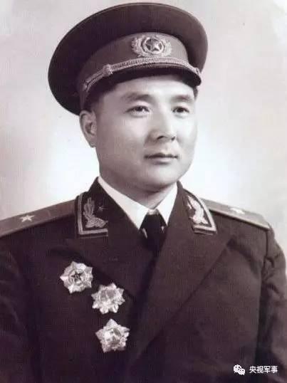 2019南京军区少将_南京军区李卫国少将简历
