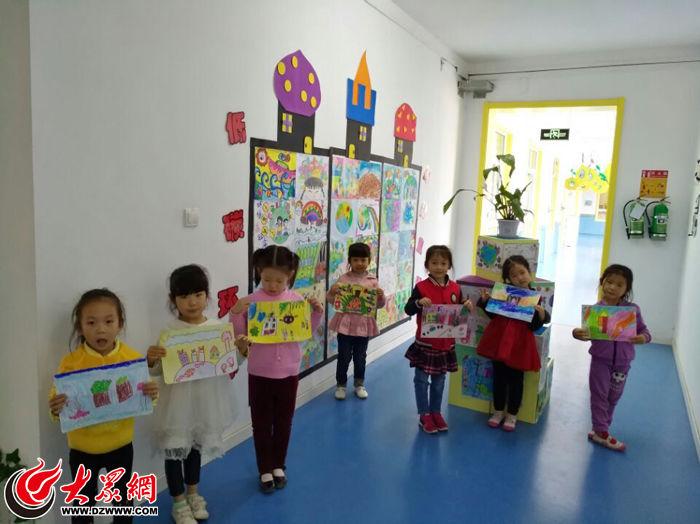 丁佳幼儿园开展了环保主题幼儿画展,孩子们突破了以往的模仿画,将