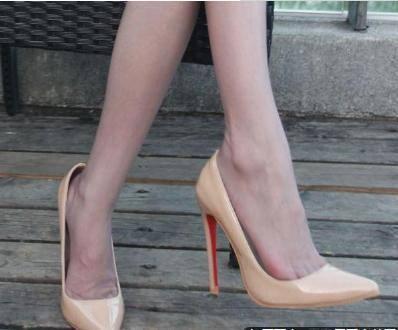 生活时尚网|推荐:时尚细跟鞋,给女性带来时尚魅力,变得更加自信!