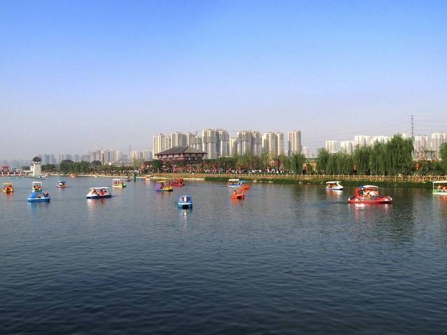 风景名胜区位于陕西合阳县东部,黄河之滨,距县城22公里,北接司马迁祠