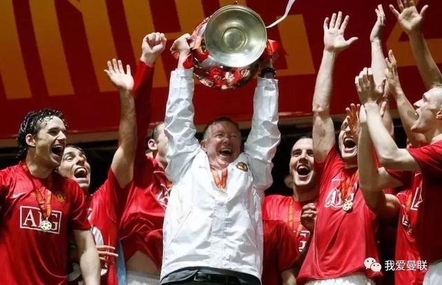 体育 正文  2008-09赛季 曼联夺英超三连冠 欧冠进决赛0-2憾负巴萨获图片