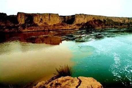 中国最神奇的河流:河水一半清澈一半混浊,虽交汇却互不相融!