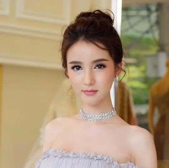 亚洲人妖系列美艳人妖漂亮的鸡巴_亚洲人妖美女榜单top3,这些年粉丝暴涨的yoshi,泰国.