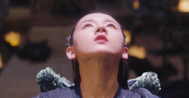 """《九州缥缈录》大悲性结局:姬野""""以剑穿胸""""拥抱羽然,羽然投湖"""