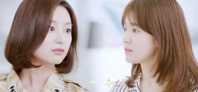 可爱一点,而李圣经妩媚几分~ 宋慧乔&金智媛 在另一部韩剧《太阳的