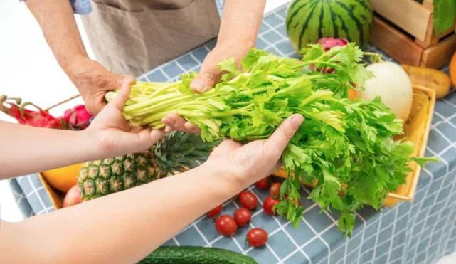 糖尿病友这样做蔬菜,能让血糖越来越好!